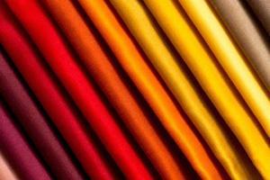 Proben von farbigem Stoff