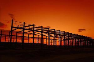 die Silhouette der Stahlkonstruktion foto