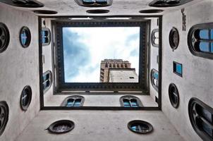 Blick auf den Palazzo Vecchio vom Innenhof in Florenz, Italien