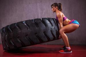 mit Reifen trainieren foto