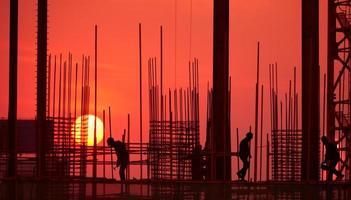 Silhouette der Baustelle foto