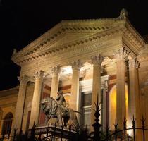 Fassade Massimo Theater in Palermo foto