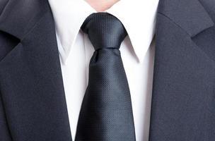 schwarzer Anzug und Krawatte foto