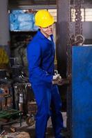Arbeiter mit großem Hammer foto