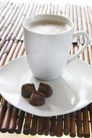 Kaffee und Schokolade foto