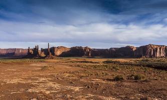 Arizona. Monument Valley mit Yei Bi Chei foto