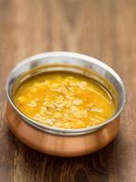 indisches vegetarisches Dahl-Curry foto