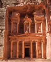 die Schatzkammer in Petra foto