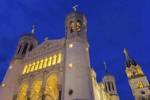 basilika von notre-dame in lyon, frankreich foto
