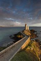 leuchtturm petit minou in frankreich foto