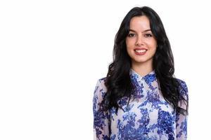 Nahaufnahme der jungen glücklichen spanischen Geschäftsfrau lächelnd