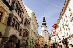 st. Michaels Turm und Straße foto
