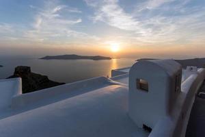 Sonnenuntergangslandschaft, Stadt von Imerovigli, Santorini, Thira, Kykladen foto