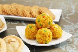 indische Süßigkeiten motichoor laddu foto