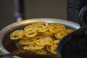 Jalebi - eine indische Süßigkeit foto