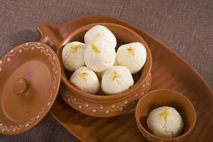 Rasgulla, indische Süßigkeit foto