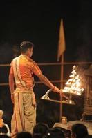Heiliger Hindu Priester in Varanasi foto