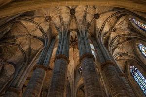Innenraum der gotischen Kirche foto