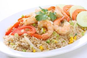gebratener Reis mit Shrimps foto