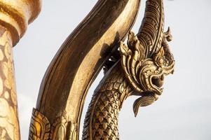 Nahaufnahme Tempelschnitzereien und Statuen