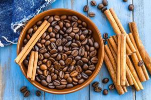 Kaffee und Zimt foto