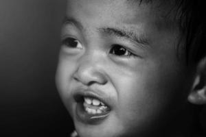 glückliches kleines Mädchen