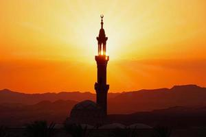Moschee in Ägypten bei Sonnenuntergang foto
