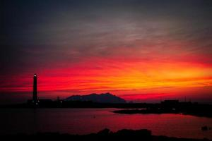 Dämmerungsleuchtturm foto