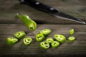 gehackter frischer grüner Chilipfeffer foto