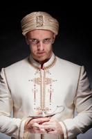 Mann in orientalischer Tracht foto