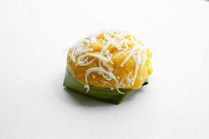 thailändischer Nachtisch süßer Zuckerpalmenkuchen mit Kokosnuss foto