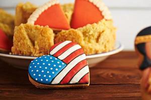 Thanksgiving-Süßigkeiten auf einem hölzernen Hintergrund