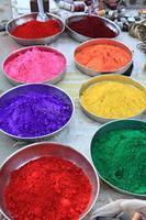 glückliche heilige farb in indien foto