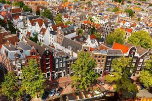 Blick auf die Stadt Amsterdam von Westerkerk, Holland, Niederlande.