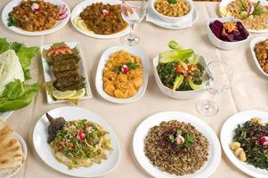 verschiedene libanesische Teller foto