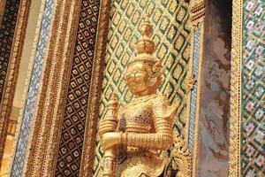 Yak bei Wat Phra Kaew in Bangkok, Thailand foto