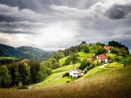 Dorf auf Hügel foto