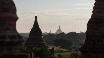 Morgendämmerung in Bagan, Myanmar foto