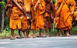 Mönch auf Pilgerreise, Thailand foto