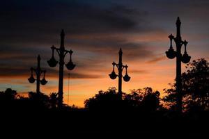 Silhouette des Tempels foto