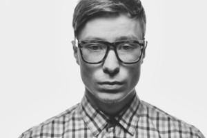 Mann mit Brille foto