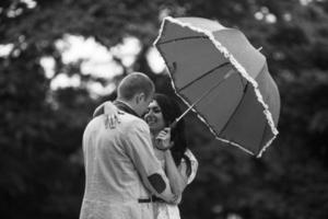junges Paar, das eine tolle Zeit hat