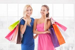 Wir lieben das Einkaufen. foto