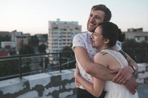 schönes Paar in der Stadt