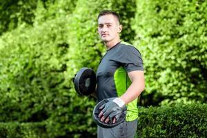 junger Sportler Trainer foto