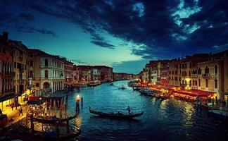 Grand Canal in der Sonnenuntergangszeit, Venedig, Italien foto