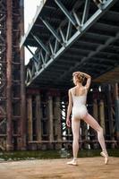 Ballett auf einer rostigen Plattform