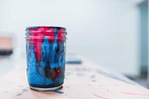 malen in einer Tasse