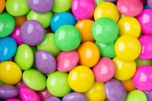 bunt beschichtete Süßigkeiten foto