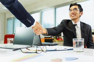 Geschäftsmann Händeschütteln